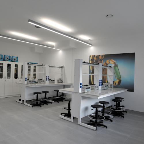 laboratorium_elektroniki_i_cybernetyki